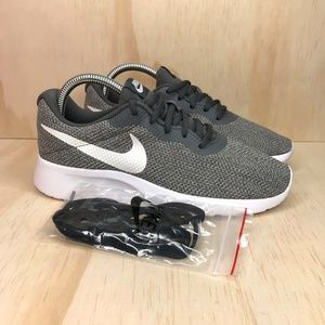NIB Nike Tanjun SE Dark Grey
